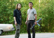 The-walking-dead-season-6-first-look-deanna-feldshuh-rick-lincoln-935