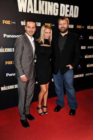File:Andrew Lincoln, Laurie Holden And Robert Kirkman.jpg