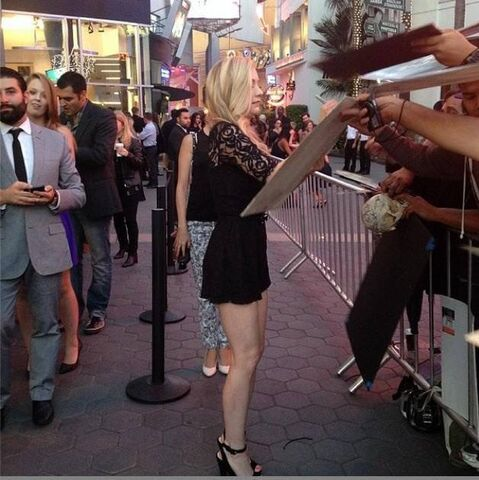 File:Emily Signing lovely autographs on Season 4 premiere so lovely.jpg