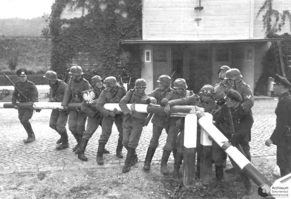 File:WWII Poland Invasion 1939-09-01.jpg