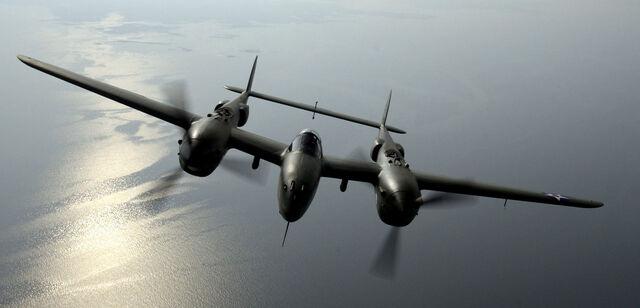 File:P-38 Lightning head-on.jpg