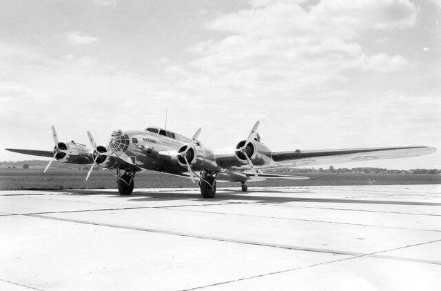 File:Boeing XB-17 (Model 299).jpg