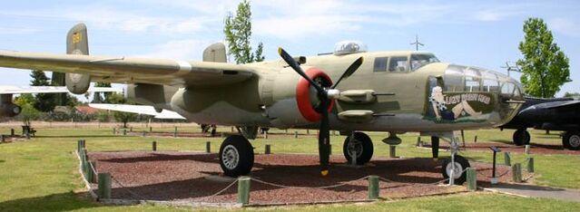 File:B-25J-30NC 44-86891 Castle AFB Museum.jpg