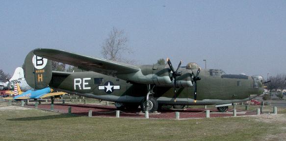 File:B-24 liberator.jpg