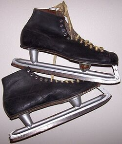Alfreds Monarch Ice Skates