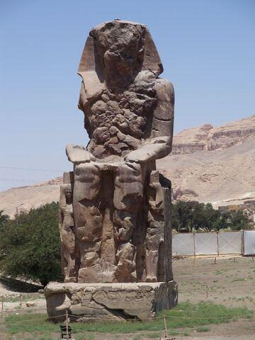 File:AmenhotepIII South Colossus.jpg