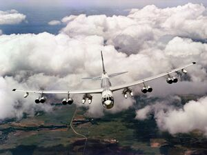 Onlyhdwallpapers b-52