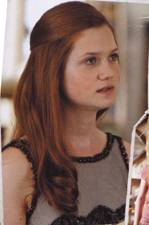 File:Ginny-in-Harry-Potter-and-the-Deathly-Hallows-Part-I-ginevra-ginny-weasley-16131631-301-454.jpg