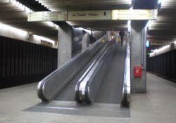 Dworzec Centralny (schody).JPG