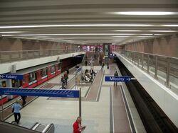 A-7 Metro Wilanowska.jpg