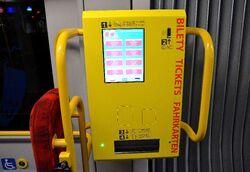 Biletomat w tramwaju PESA 120Na Swing.JPG