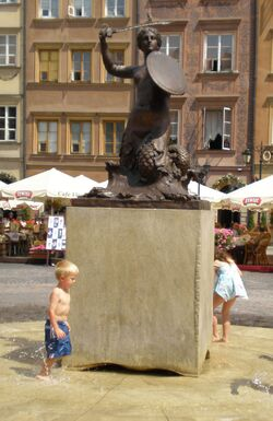 Pomnik Syrenki (Rynek Starego Miasta)