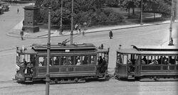 Tramwaj na pl. Krasińskich (przed 1939).jpg