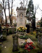 Cmentarz Ewangelicko-Augsburski (nagrobek J. Langnera)