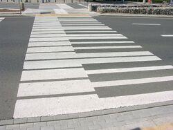 Przejscia dla pieszych a la klawiatura fortepianu na Emilii Plater