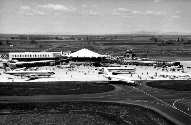 File:Spokaneairport1965.jpg