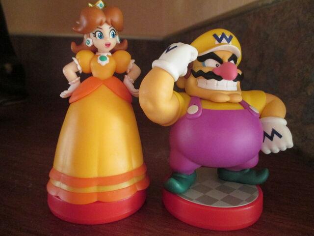 File:Daisy and Wario 1.JPG