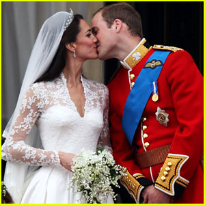 File:Kate-middleton-prince-william-royal-wedding-first-kiss.jpeg