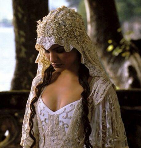 File:04-wedding-dress-in-movie-of-star-wars.jpeg