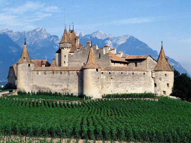File:Daigle Castle Switzerland.jpg