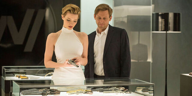 File:Westworld-episode-2-talulah-riley-as-angela-jimmi-simpson-as-william.jpg