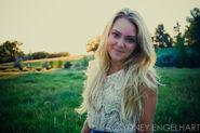 AnnaSophia-Robb-Photoshoot-annasophia-robb-28092471-1024-681