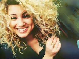 File:Tori Kelly.jpg