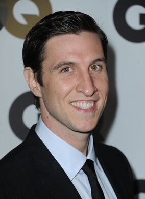 Pablo Schreiber GQ 2010 Men Year Party Arrivals v5cJreio19hl