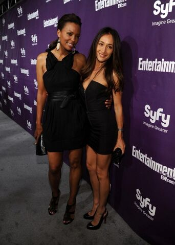 File:WLIIA- Aisha Tyler with friend Maggie Q.jpg