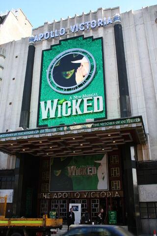File:Apollo Victoria Theatre.jpg