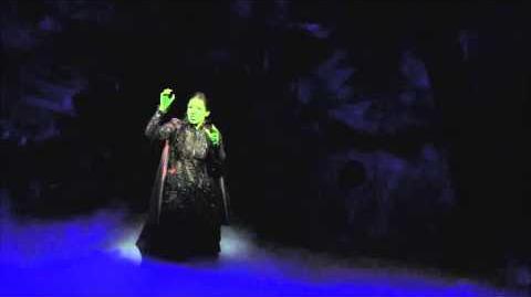 Wicked No Hay Bien (interpretado por Danna Paola)