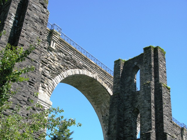 Plik:Moorswater viaducts.jpg