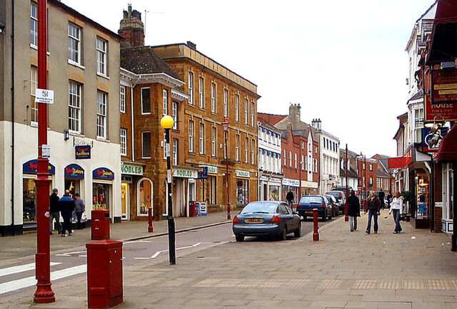 Plik:High Street, Daventry.jpg