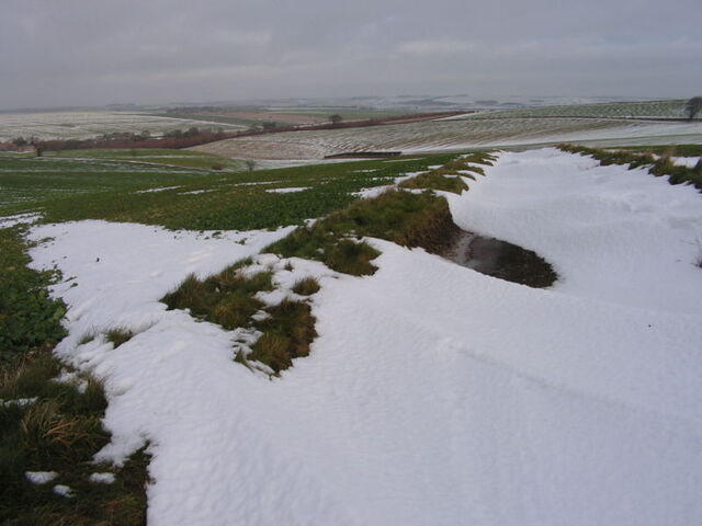 Plik:Snowy Yorkshire Wolds at West Lutton.jpg