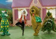 DecorateTheTree-Dorothy'sRockin'Christmas