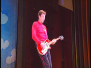 MurrayPlayingMatonGuitarinWiggledancing!USA
