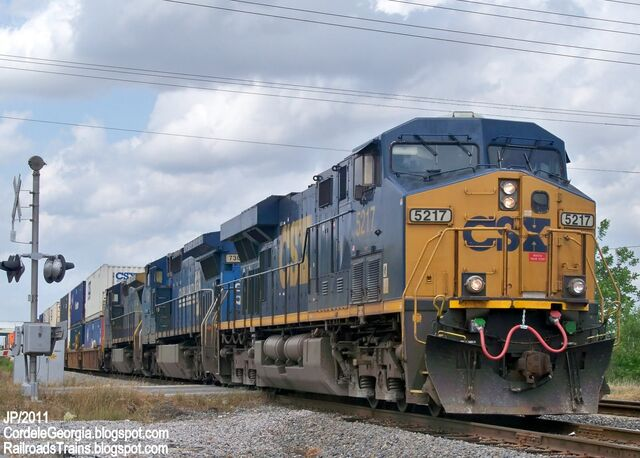 File:CSX 5217 ES44DC Locomotive Train Engine,CSX Railroad Locomotives Cordele Georgia.jpg