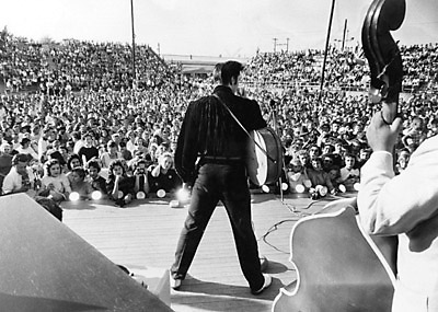 File:ElvisConcert.jpg