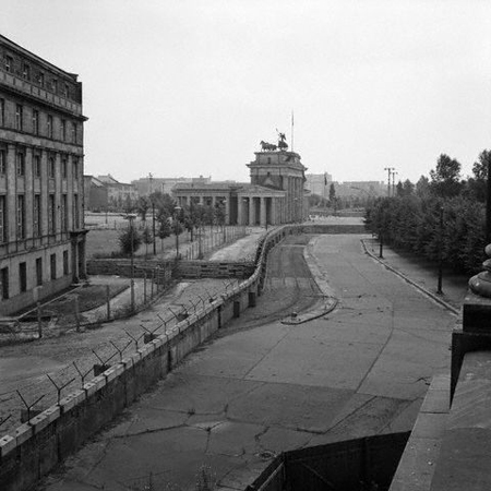 File:Hist berlin wall.jpg