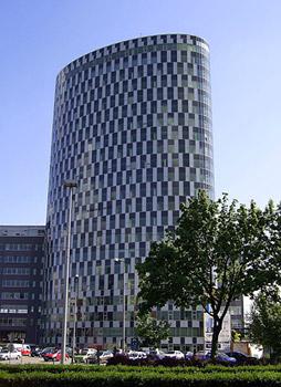 File:Nuovo Tower.jpg