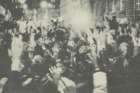 File:Protestors in 1982.png