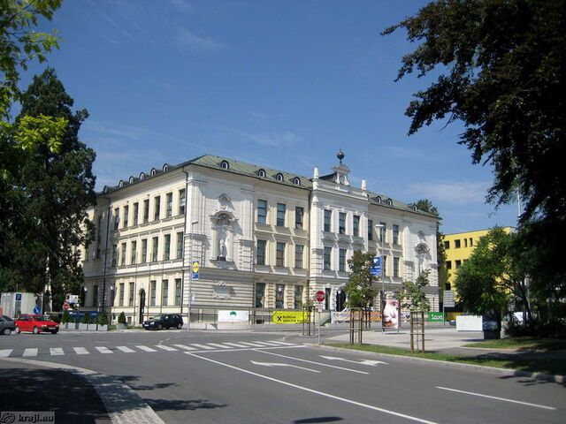 File:Palace of the Congress.jpg