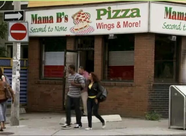 File:Wingin It Mama B's.jpg