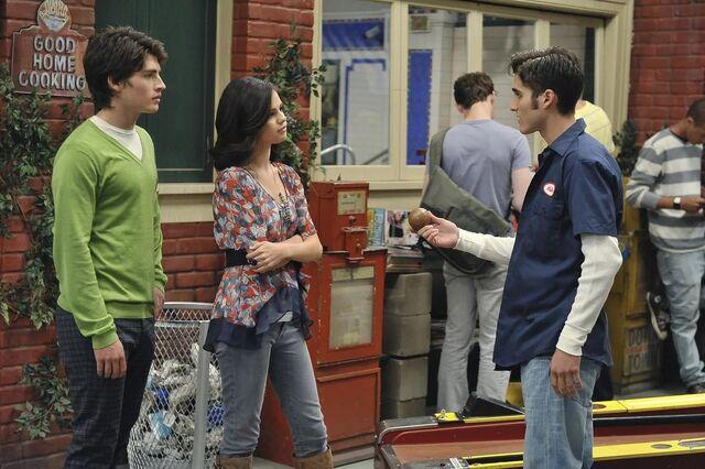 File:Alex, Mason, and Dean.jpg