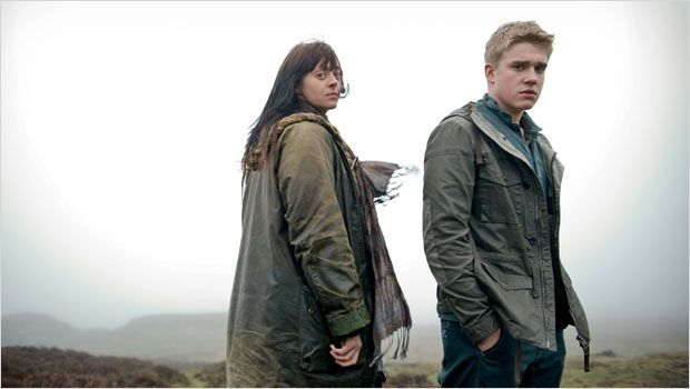 File:Wolfblood Ceri and rhydian.jpg
