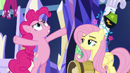 Pinkie Pie 'stop pecking at my balloons' S5E3