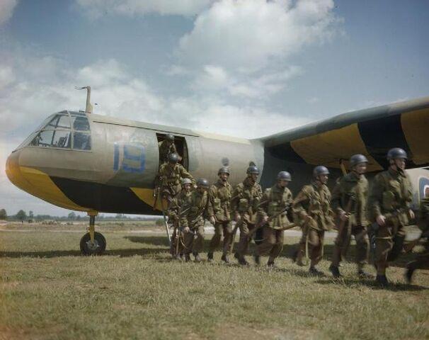 File:Horsa Training Operation, Great Britain 1943.jpg