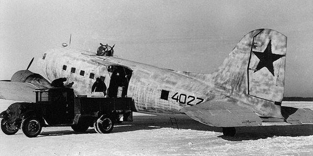 File:Lisunov Li-2, Snow.jpg