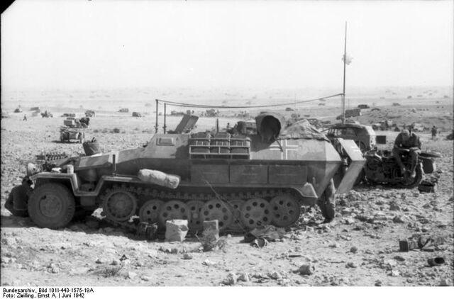 File:SdKfz 251, Tobruk 1942.jpg