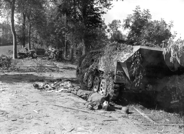 File:SdKfz 251 Battle of Mortain.jpg
